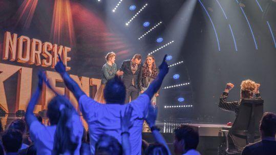 Tryllekunstner Rune Carlsen vinner semifinalen i Norske Talenter - Rubiks Kube -